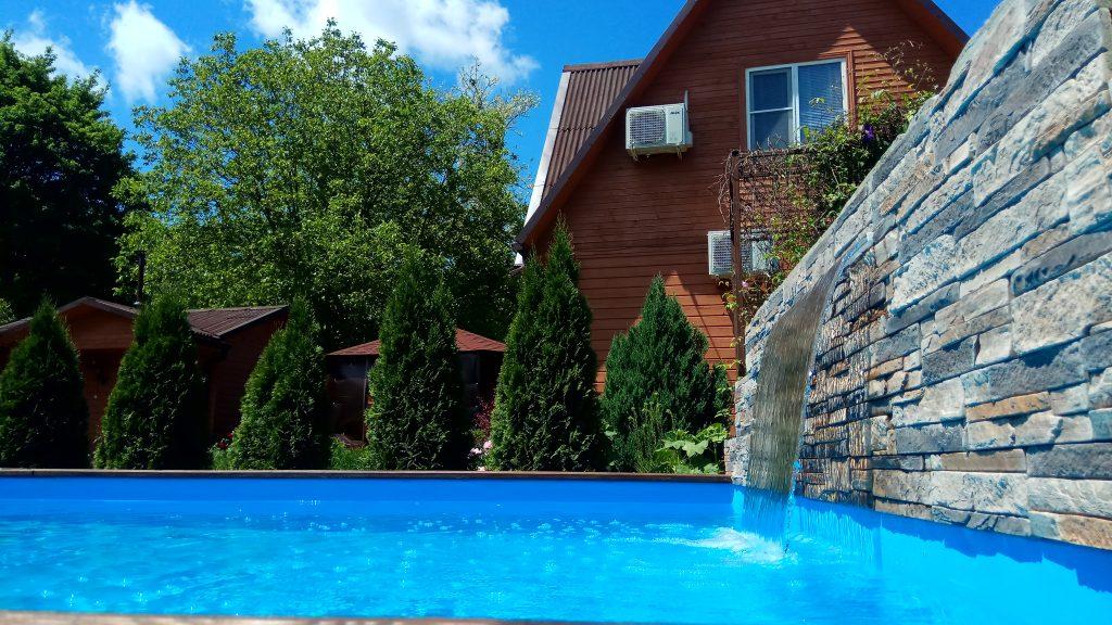Гостиница с бассейном Геленджик
